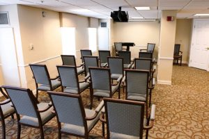 Charter Senior Living of Edgewood community meeting room